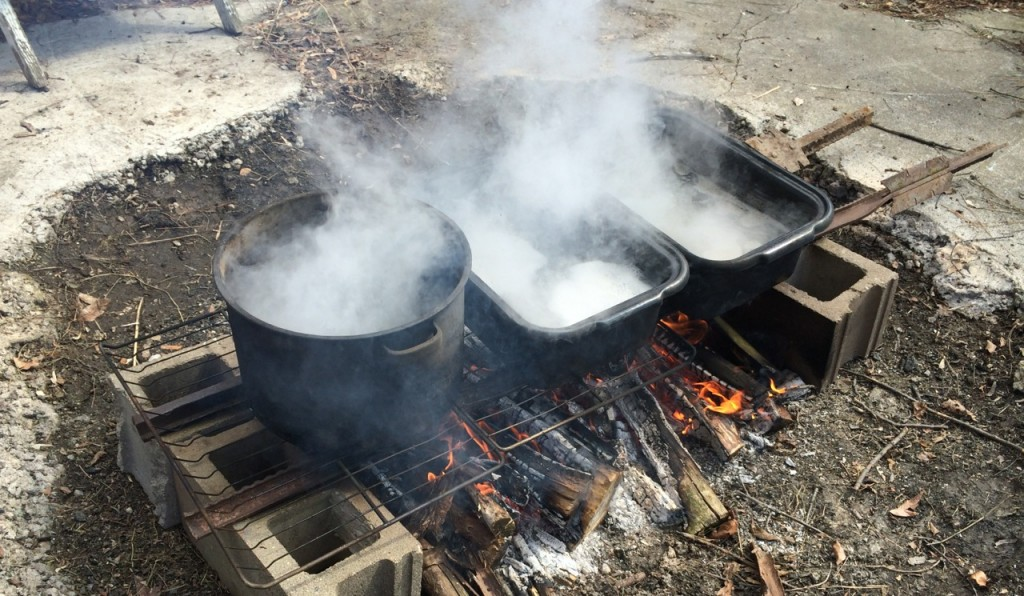 maple syrup boiling 2014